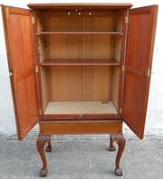 Georgian Chippendale Style Mahogany Cabinet on Stand